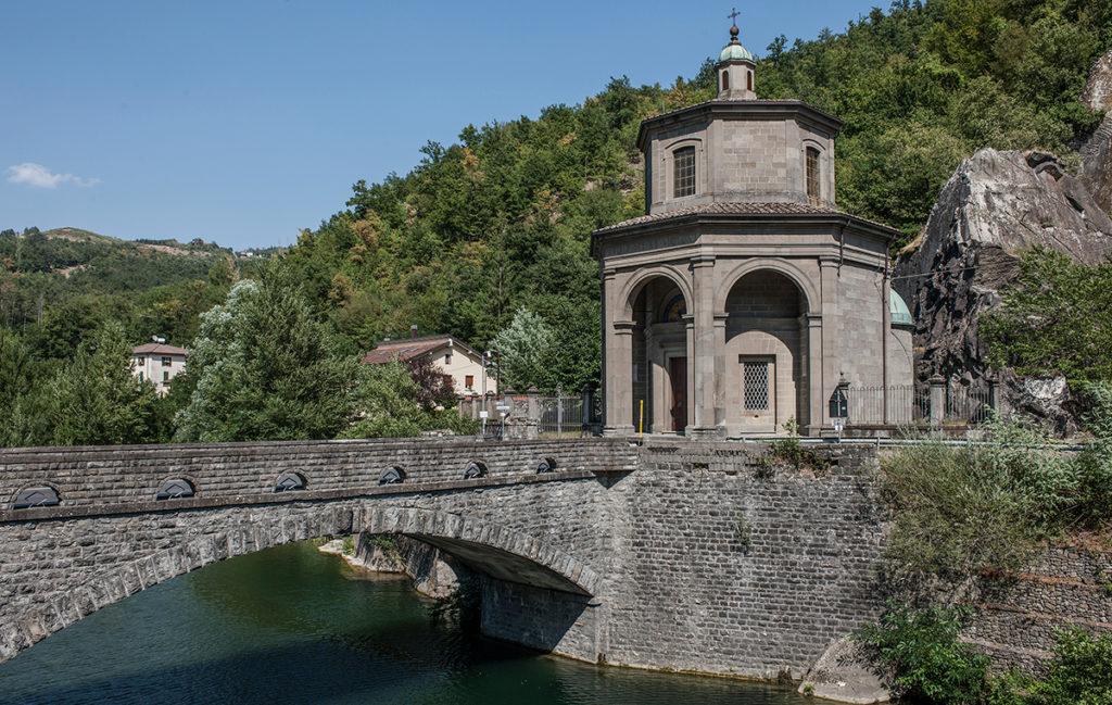 Piccolo Ufficio Della Madonna : Il santuario della madonna del ponte discover alto reno terme
